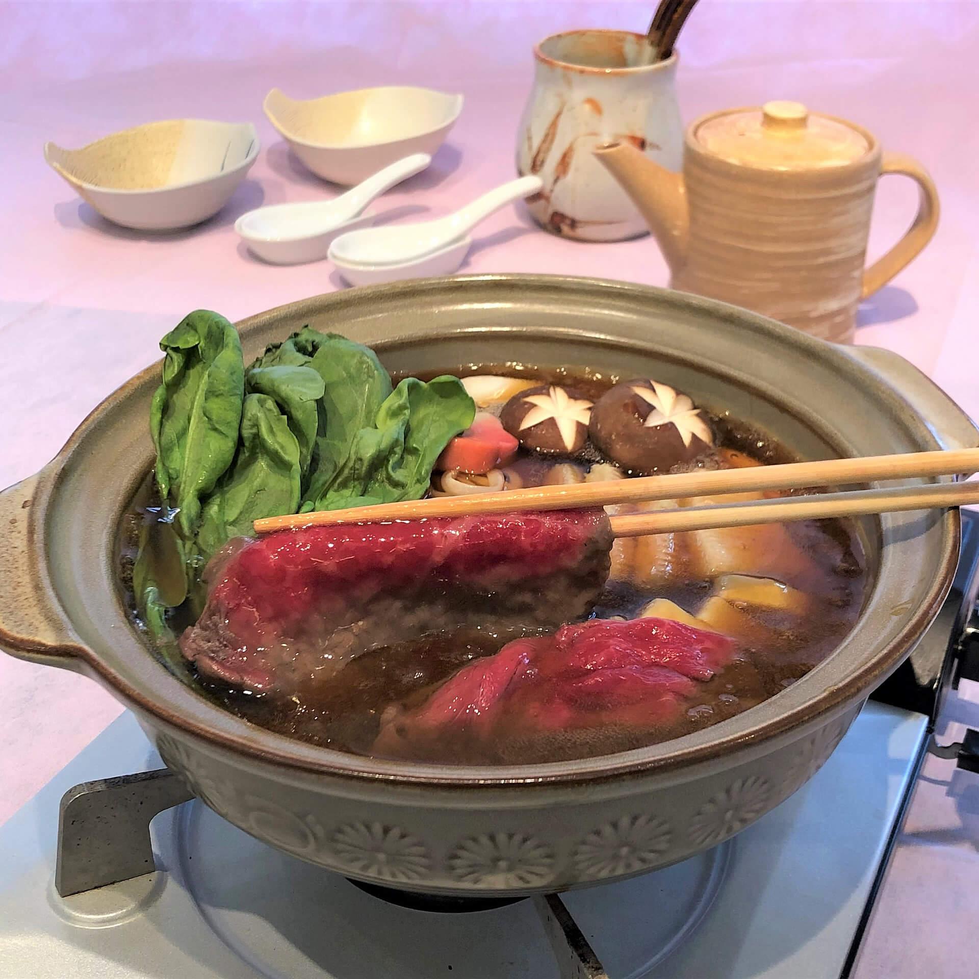 ホテル⾦沢謹製◆⽯川県がほこるブランド⽜「能登⽜」を贅沢に使⽤した治部煮鍋セット